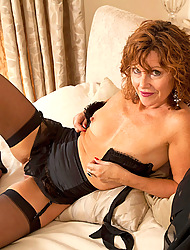 Anilos Cascade spreads her paws for a perfect view of her racy milf pussy