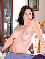 Anilos.com - Freshest mature women on the net featuring Anilos Kinsey milf porn