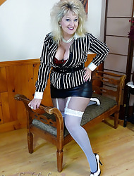 Candy Leg Lust - Candy Cummings in FF Nylons and Pantyhose