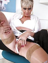Anilos.com - Freshest mature women on be passed on be seized featuring Anilos Dimonte anilos pussy