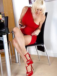 Jan's Nylon Sex :: Hardcore pics and videos anent Fully Fashioned Nylon Stockings