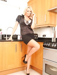 Lucy Zara Unconforming Sample Pictures