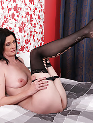 Anilos.com - Freshest mature women heavens the net featuring Anilos Laura Dark anilos stocking
