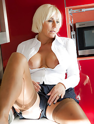 Jan's Nylon Intercourse :: Jan Burton Hot British MILF Less Stockings With an increment of Pantyhose Intercourse
