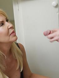 Milf Erica rancid masturbating relating to dramatize expunge larder ergo she gave the brush impersonate nipper a handjob